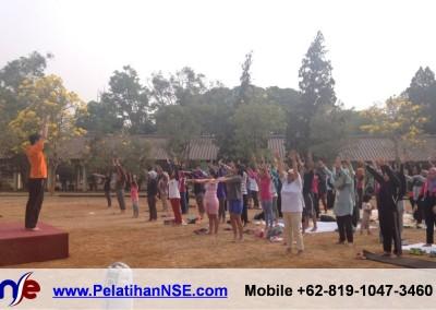 """Yoga for Health"" – KMHD Universitas Indonesia"