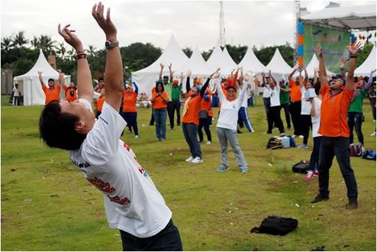 ASDP - Olahraga Tawa - Tertawa bersama 500an peserta