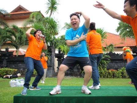 Circle of Laughter – Terapi/Olahraga Tawa