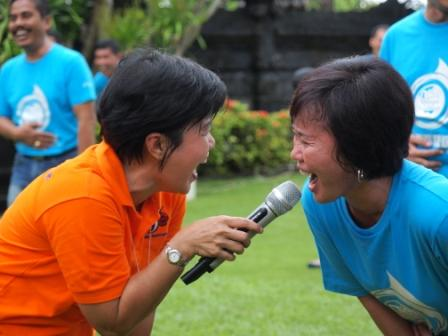 Project - Olahraga Tawa - Pertamina Lubricants - Peserta yang tidak bisa berhenti tertawa