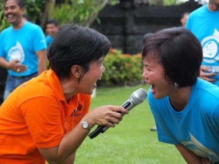 Liputan Terapi Tawa di Majalah Adhyaksa Indonesia