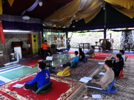 Project - Weekend Workshop - Toward Higher Intelligence - Menyimak materi dari Haryadi