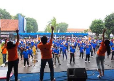 Project - Olahraga Tawa PT. PAL Indonesia (Persero) - 1000 peserta tertawa bersama