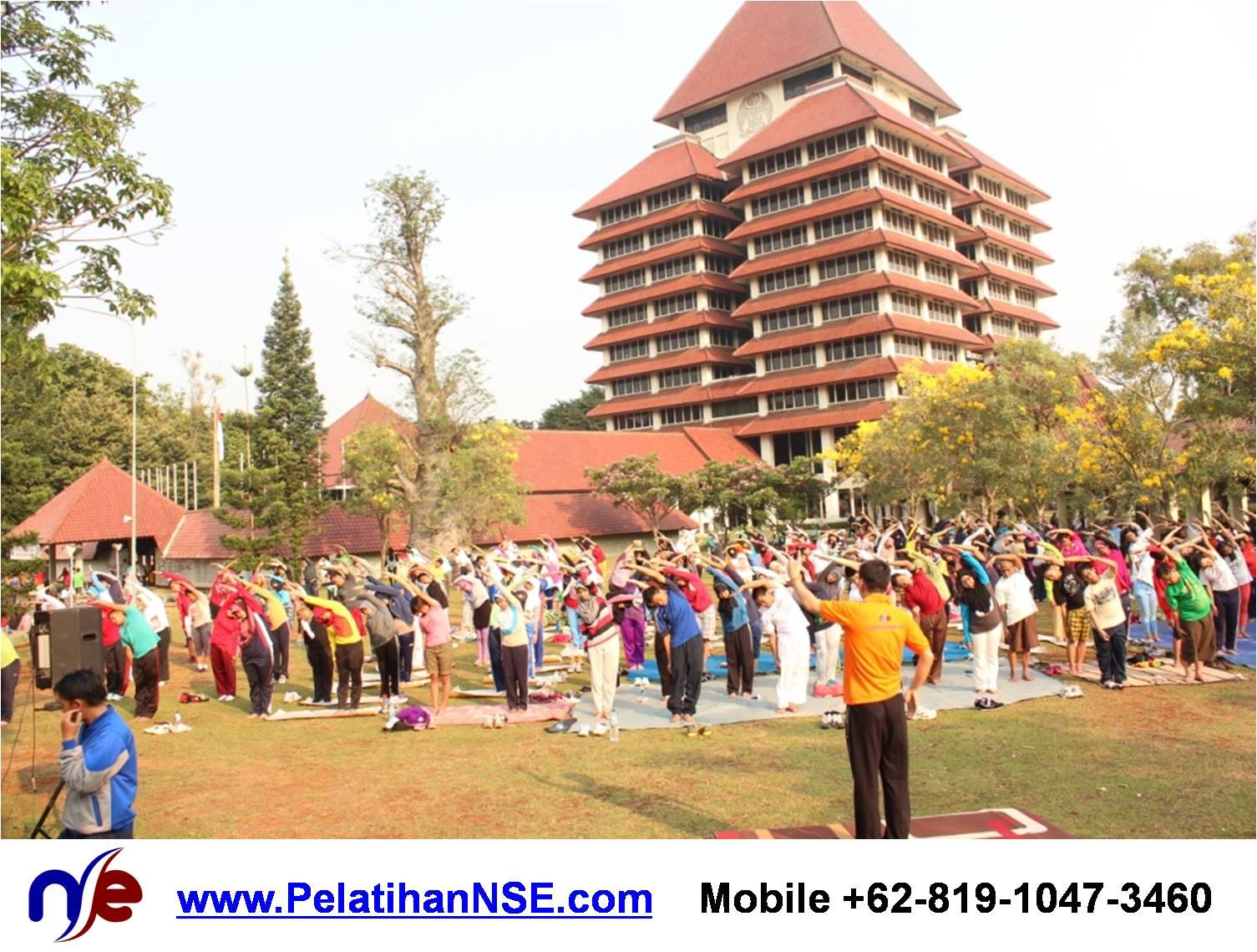 Project - KMHD UI - Yoga for Life - Postur Ardhakaticakrasana bersama 250an peserta