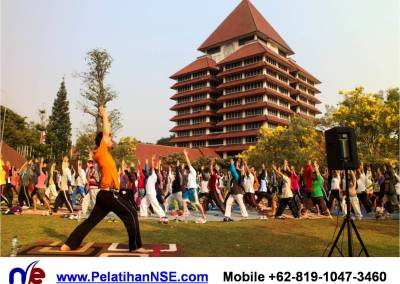 """""""Yoga for Life"""" – KMHD Universitas Indonesia"""