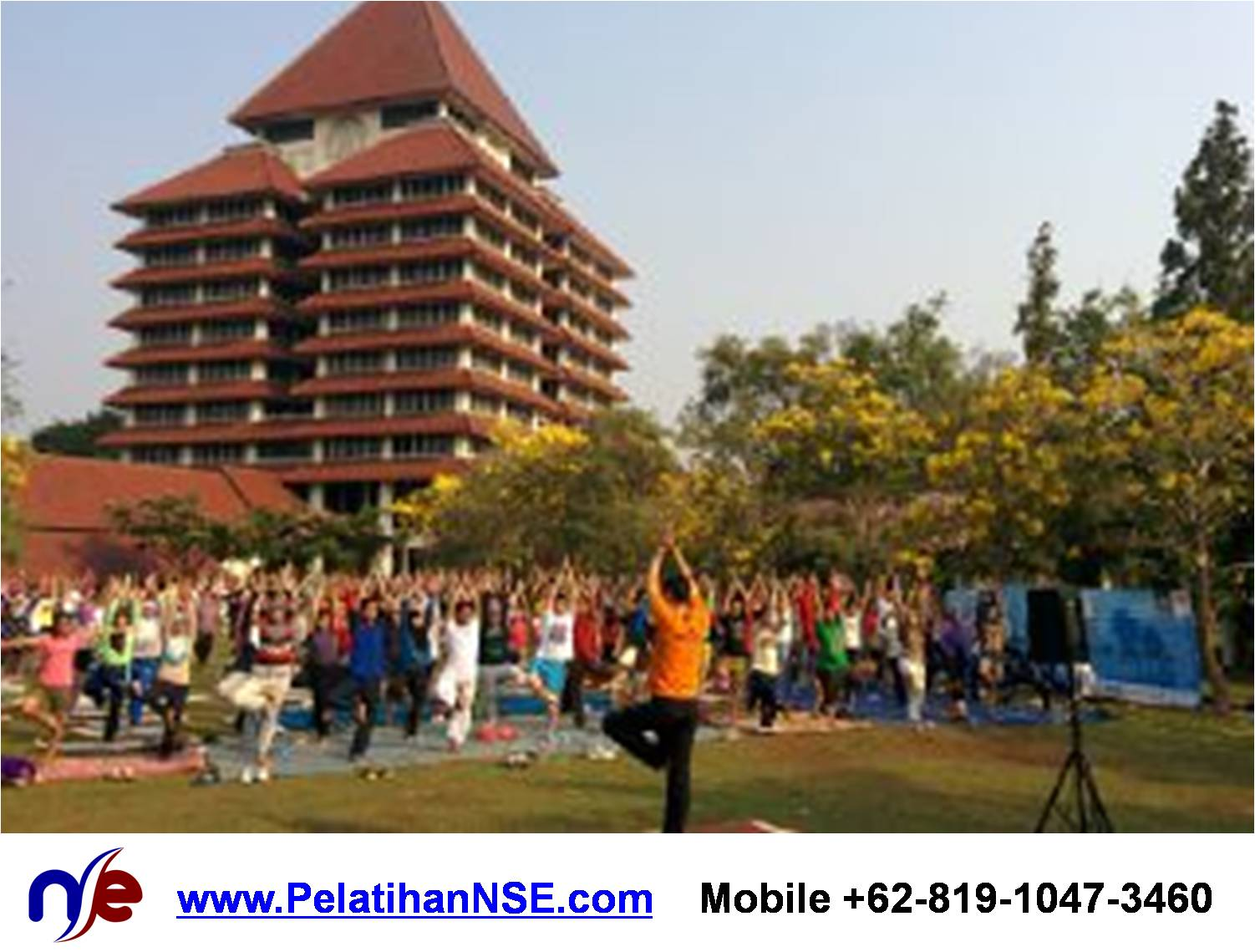 Project - KMHD UI - Yoga for Life - Postur Vriksasana bersama 250an peserta