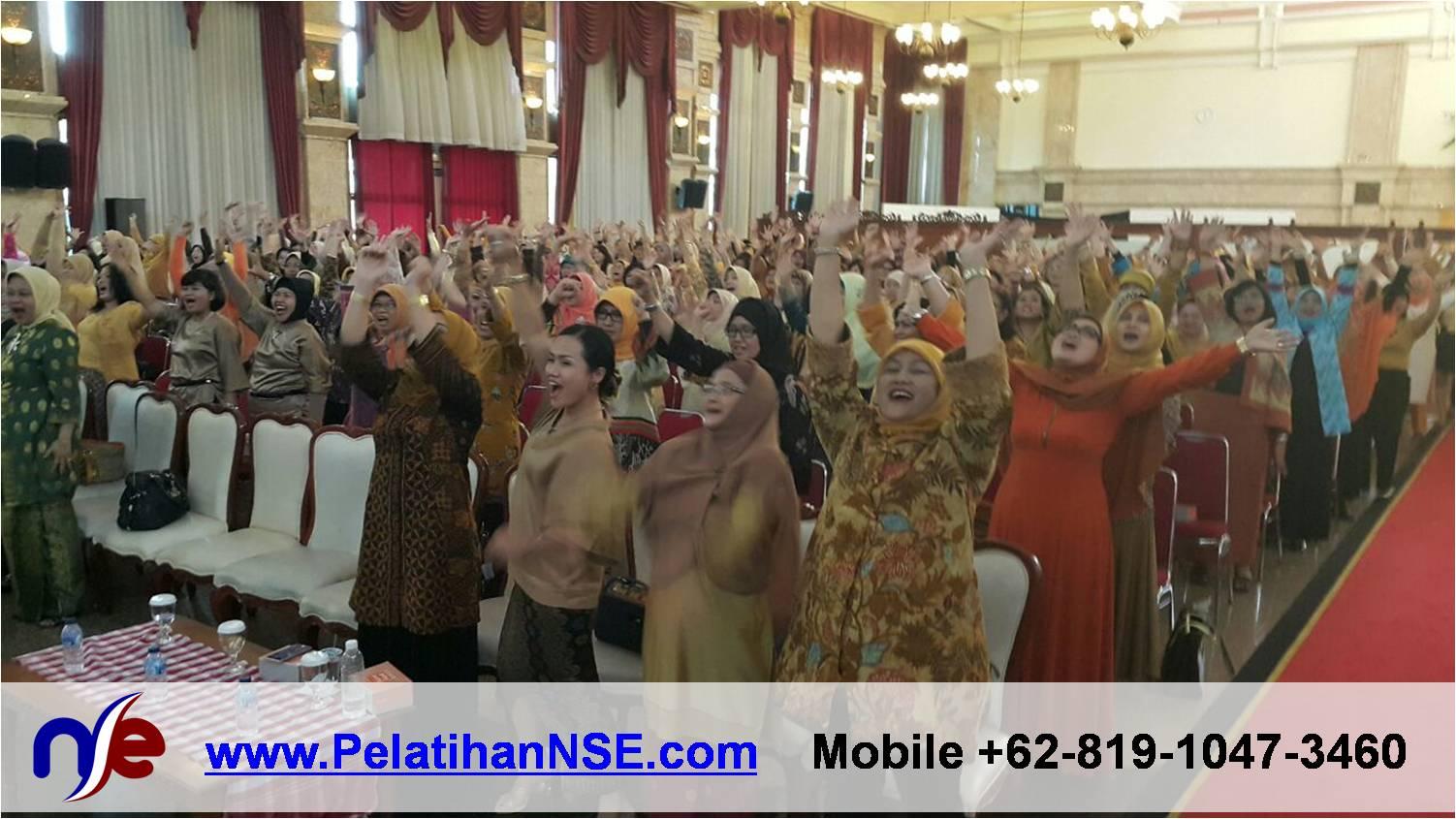 Yoga Tawa - Nova Inspiring Day 29 April 2015 - 1000 peserta berteriak Aku Bebas.png