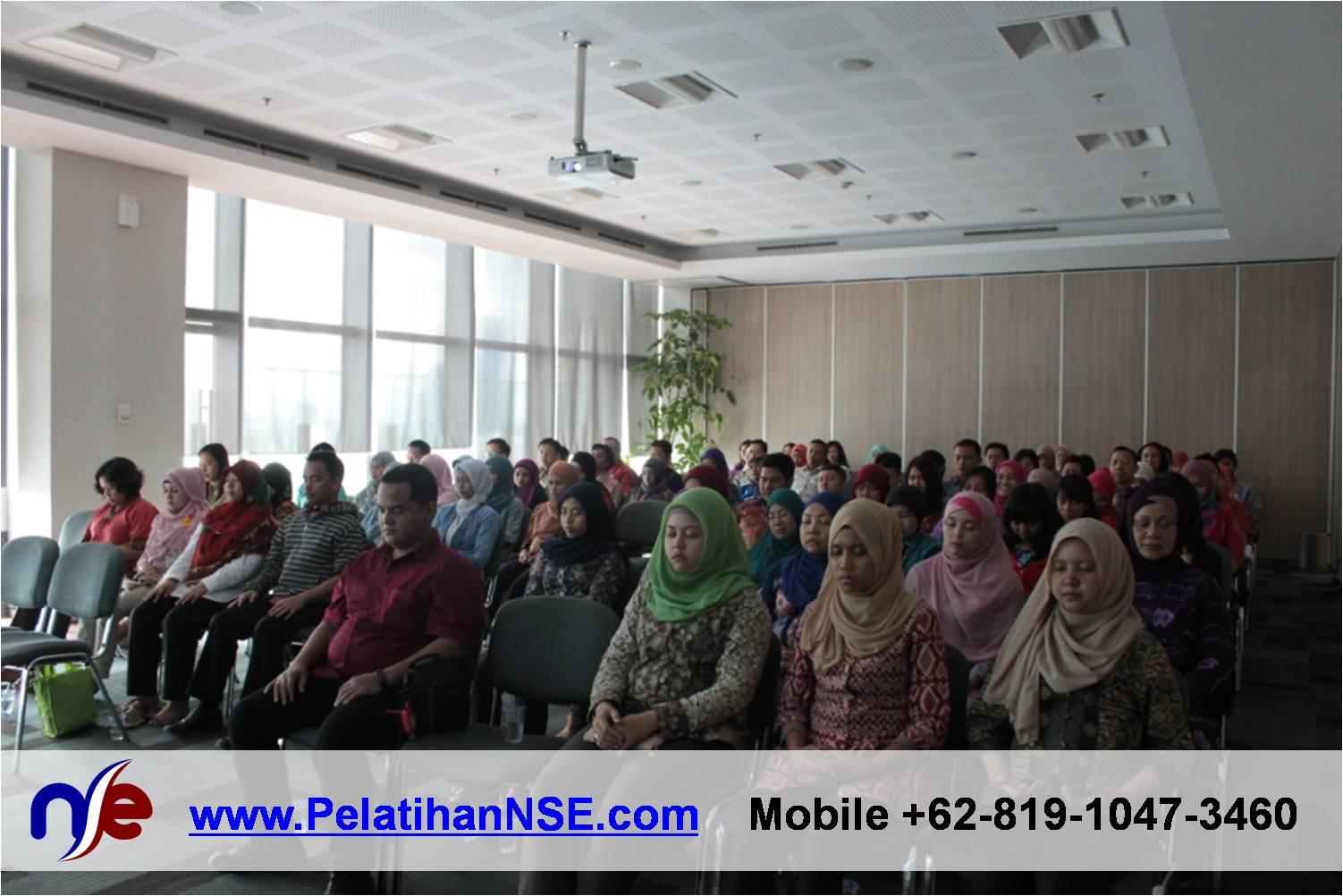 Flash Seminar Stress Management - BTPN - 80 peserta melakukan salah satu latihan meditasi untuk manajemen stress