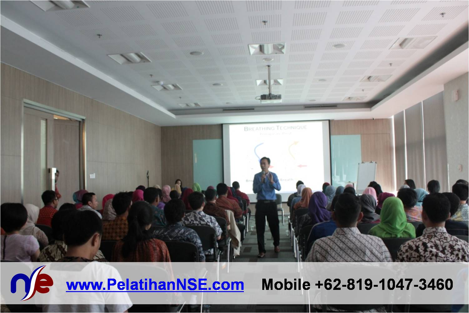 Flash Seminar Stress Management - BTPN - 80 peserta menyimak