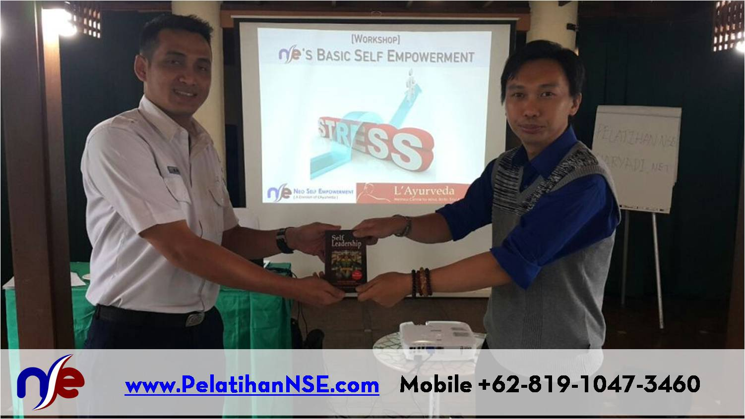 Basic Self Empowerment PT. KAI (Persero) - Penyerahan buku Self Leadership