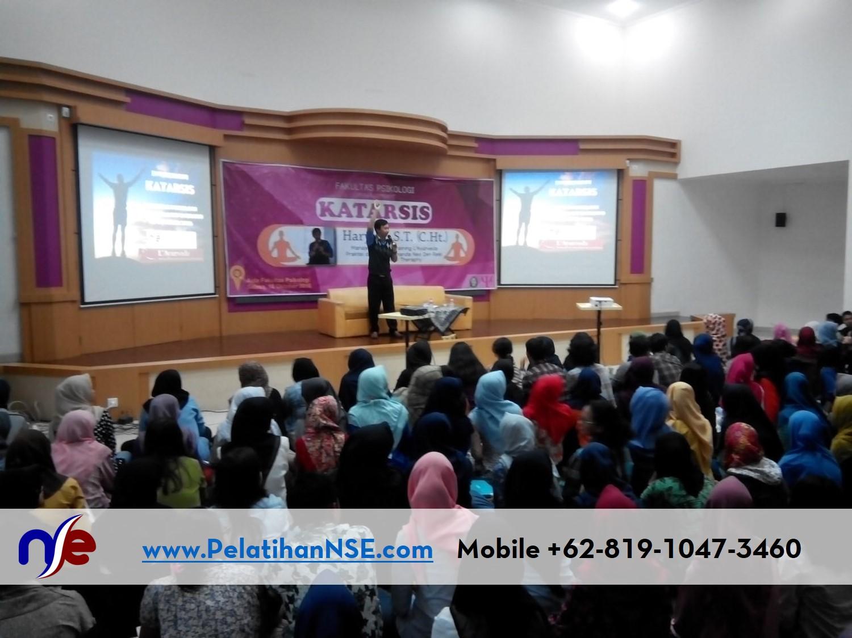 Katarsis UNDIP 18 Oktober 2016 - Pak Haryadi memulai materi untuk 200an mahasiswa/i