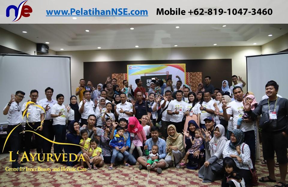 L'Ayurveda Pelatihan NSE - Family Gathering Kereta Commuter Indonesia Angkatan I Tahun 2018 - 20-21 Maret 2018 - Foto dgn Direksi KCI
