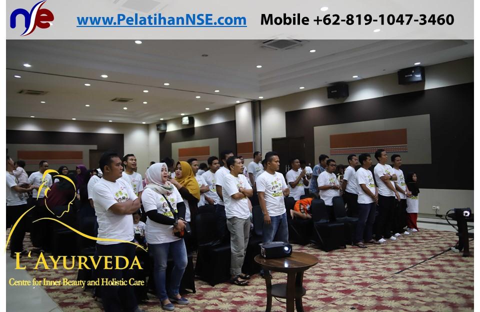 L'Ayurveda PelatihanNSE - Family Gathering Kereta Commuter Indonesia Angkatan III 2018 - 27-28 Maret 2018 - Bernyanyi Bersama