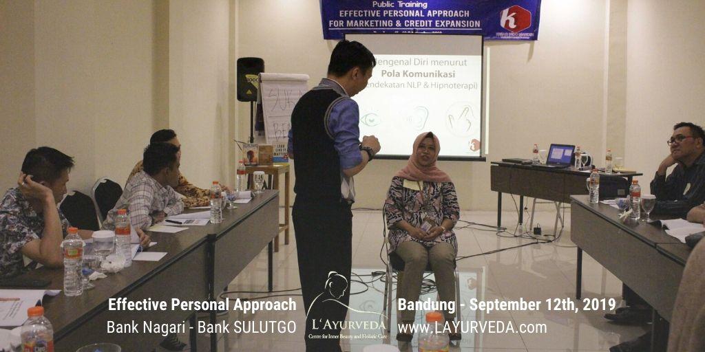 Effective Personal Approach - Bank Nagari & Bank Sulutgo - 12 September 2019 - Pak Hari membantu peserta mengenali pola komunikasinya