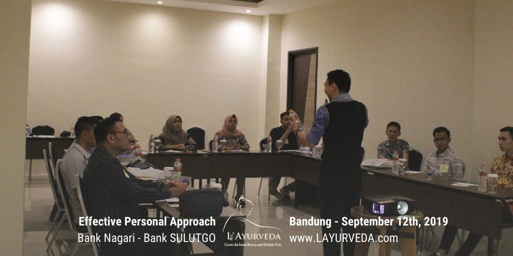 Effective Personal Approach - Bank Nagari & Bank Sulutgo - 12 September 2019 - Pak Hari memberikan ilustrasi