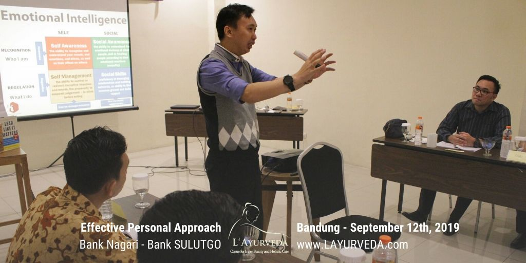 Effective Personal Approach - Bank Nagari & Bank Sulutgo - 12 September 2019 - Pak Hari menjelaskan konsep Emotional Intelligence